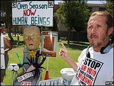 Manifestantes no Estado americano do Arizona (foto: AFP)