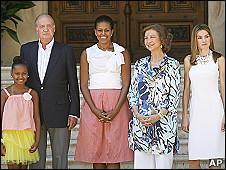Michelle Obama y su hija con los reyes de España