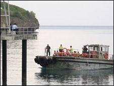 قارب لاجئين إلى استراليا