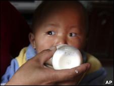 Китайские сухие детские смеси