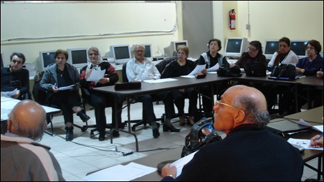 برگزاری کلاس برای ایرانی های مهاجر - عکس از بنیاد پریا