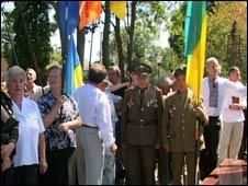 У відкритті взяли участь місцеві політики та ветерани ОУН-УПА