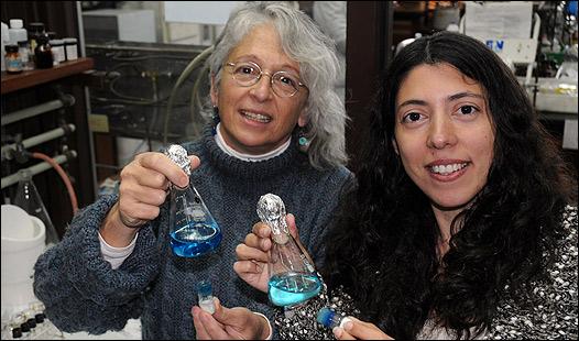 Sara Aldabe-Bilmes y Mercedes Perullini. Foto: CePro de la Facultad de Ciencias Exactas