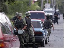 Soldados mexicanos en Ciudad Victoria