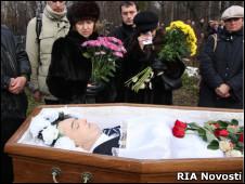 Похороны Сергея Магнитского на Преображенсокм кладбище Москвы