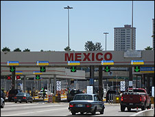 Cruce fronterizo de San Ysidro, California
