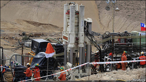 La máquina Xtatra 950 ya superó la barrera de los cien metros perforados.