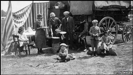 歐洲人對吉普賽人最初的好奇,很快就被持續的迫害、歧視、甚至種族滅絕屠殺所取代。