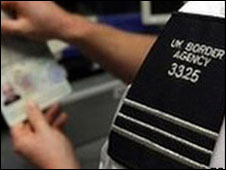 英國決意收緊向外國學生發放簽證