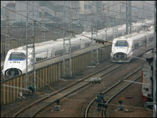 قطارات صينية في شنغهاي