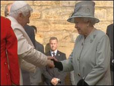 الملكة اليزابيث والبابا