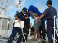 被日本逮捕的中国渔船船长詹其雄(8/9/2010)
