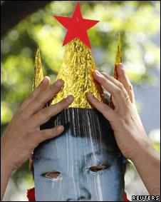 Protestas con máscaras de Kim Jong-un en Seúl