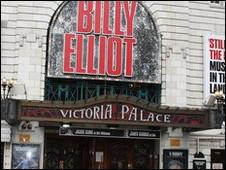 在所有演出中,觀看音樂劇的外國遊客最多,其中包括《舞動人生》(Billy Elliot)。