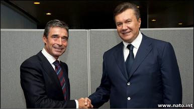 Президент Янукович з Генсеком НАТО Расмуссеном