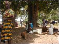 Foto de arquivo mostra pobreza em campo de refugiados na Libéria