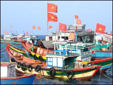 Thuyền cá Quảng Ngãi (ảnh của VnExpress)