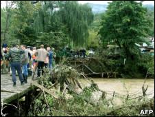 Разрушенный мост на р. Туапсинка