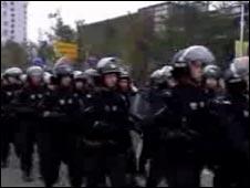 德阳武警在街头巡逻(23/201/2010)