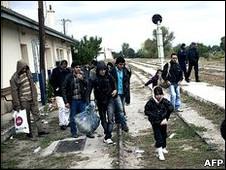 یونان میں تارکین وطن(فائل فوٹو)