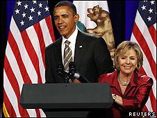Barack Obama y Barbara Boxer (foto archivo)