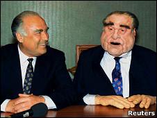 Виктор Черномырдин и его кукла (1995 год)