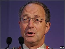 El general David Richards