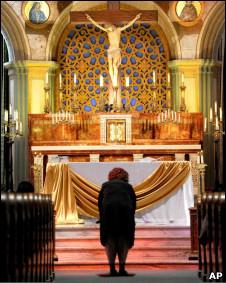Tín đồ Công giáo ở Trung Quốc cầu nguyện