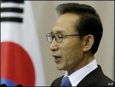 朝鲜总统李明博(29/11/2010)