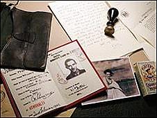 Objetos del falso oficial británico
