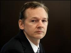 جوليان اسانج مؤسس موقع ويكيليكس