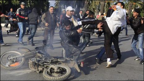 Biến động chính trị xã hội ở Tunisia