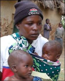 Gladys Bulynia com dois de seus filhos