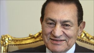 نبذة عن الرئيس المصري السابق حسني مبارك   110201143129_hosni_mubarak__304x171_bbc_nocredit