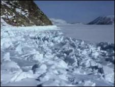 Superfície congelada do mar Ártico