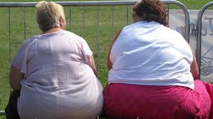 Dos mujeres obesas
