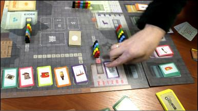 Польська гра про черги і дефіцит показує молоді, як жилося раніше
