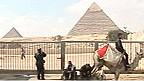 مصر ما بعد مبارك في صور 110210132748_egypt_tourism_144x81_bbc_nocredit