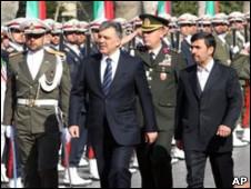 احمدی نژاد و گل