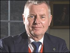 David Mabberley, director del Herbario de Kew Gardens, el Jardín Botánico de Londres