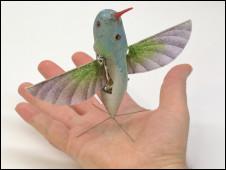 http://wscdn.bbc.co.uk/worldservice/assets/images/2011/02/18/110218093325_colibri_espiao_226x170_aerovironment_nocredit.jpg