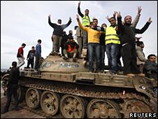 Oposición libia celebra en Bengasi