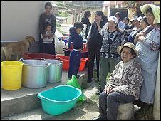 Vecinos afectados por la falta de agua (Foto: Mery Vaca).