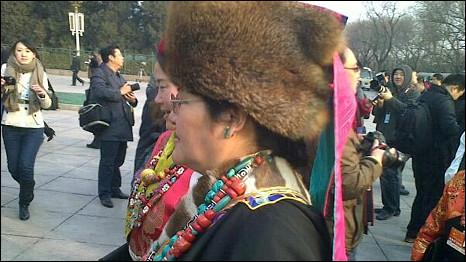 出席中国全国人大会议的少数民族代表(5/3/2011)