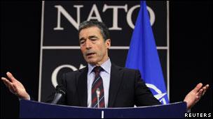 أندريه فوغ راسموسين الأمين العام لمنظمة حلف شمال الاطلسي