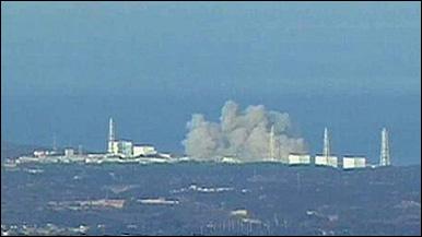 Fumaça na usina nuclear de Fukushima (Reuters)