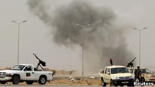 http://wscdn.bbc.co.uk/worldservice/assets/images/2011/03/16/110316105846_ajdabiya_libya_304x171_reuters.jpg