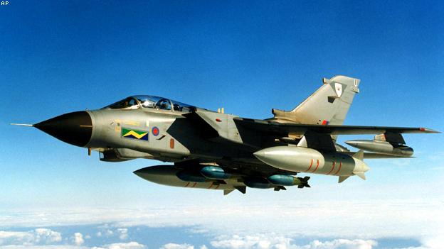 مقاتلات بريطانية تطير 4800 كيلومترا لتقصف اهدافا بليبيا  110320030540__624x351