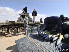 艾季达比耶的反叛武装人员