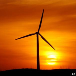 В 2010 году заработали сотни новых ветрогенераторов, суммарно производящих 40 гигаватт энергии
